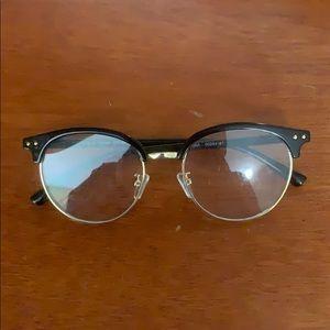 Round black/gold frame glasses
